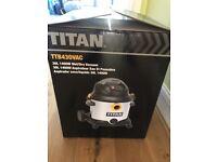 Titan wet/dry Vacuum