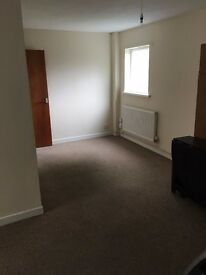 3 BEDROOM FLAT IN MORRISTON SWANSEA - SPACIOUS FLAT WITH CENTRAL HEATING AND DOUBLE GLAZING.