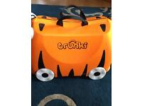 TRUNKI TIGER PRINT RIDE ON CASE