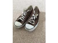 Pre-Owned Low-Top Converse All Stars UK Size 9