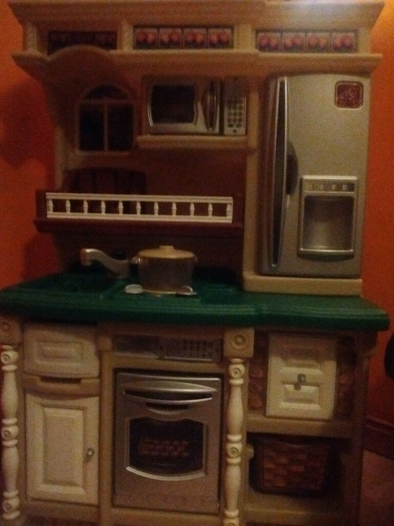 Big kitchen play set with sound effects great condition £25