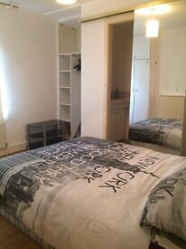 Double Room with Bathroom Ensuite nr city centre, quays ec! great location Salford only 365pm
