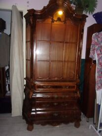 ROCOCO Stunning french bow front cabinet