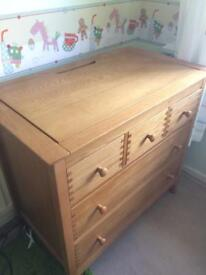 Mamas and Papas 'Newhampton' cot bed and drawers