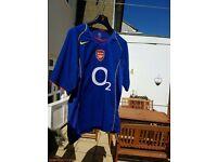 Mens Arsenal football shirt