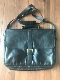 Hidesign Large Leather Satchel/Briefcase w/adjustable shoulder strap made in Italy.