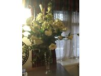 LOVELY FAUX ARTIFICIAL WHITE ROSE FLOWER BOUQUET - EXCELLENT CONDITION
