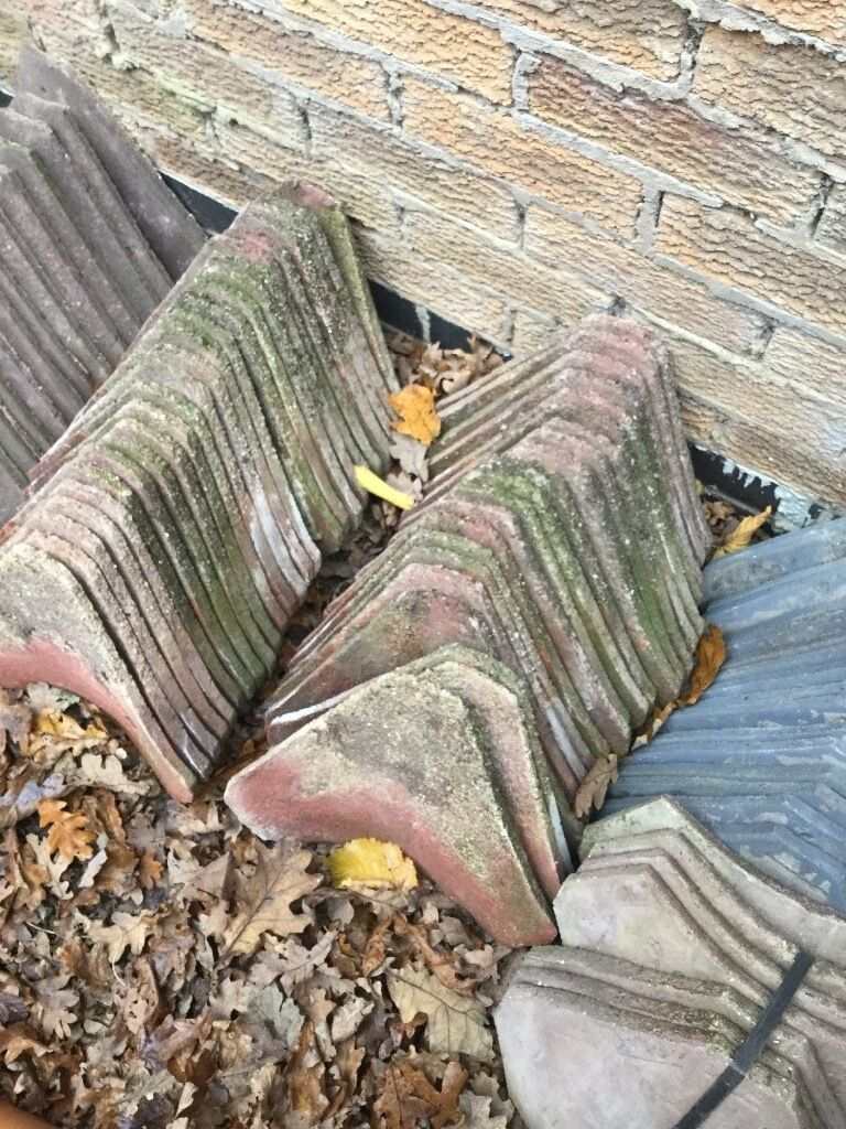 Red concrete valley tilesin Hinckley, LeicestershireGumtree - Second hand concrete valley tiles red in colour 40p each happy to sell individual items