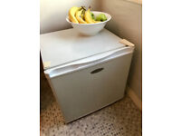 Freezer (Frigidaire) Table Top Freezer (model number FVE 5093) full working condition