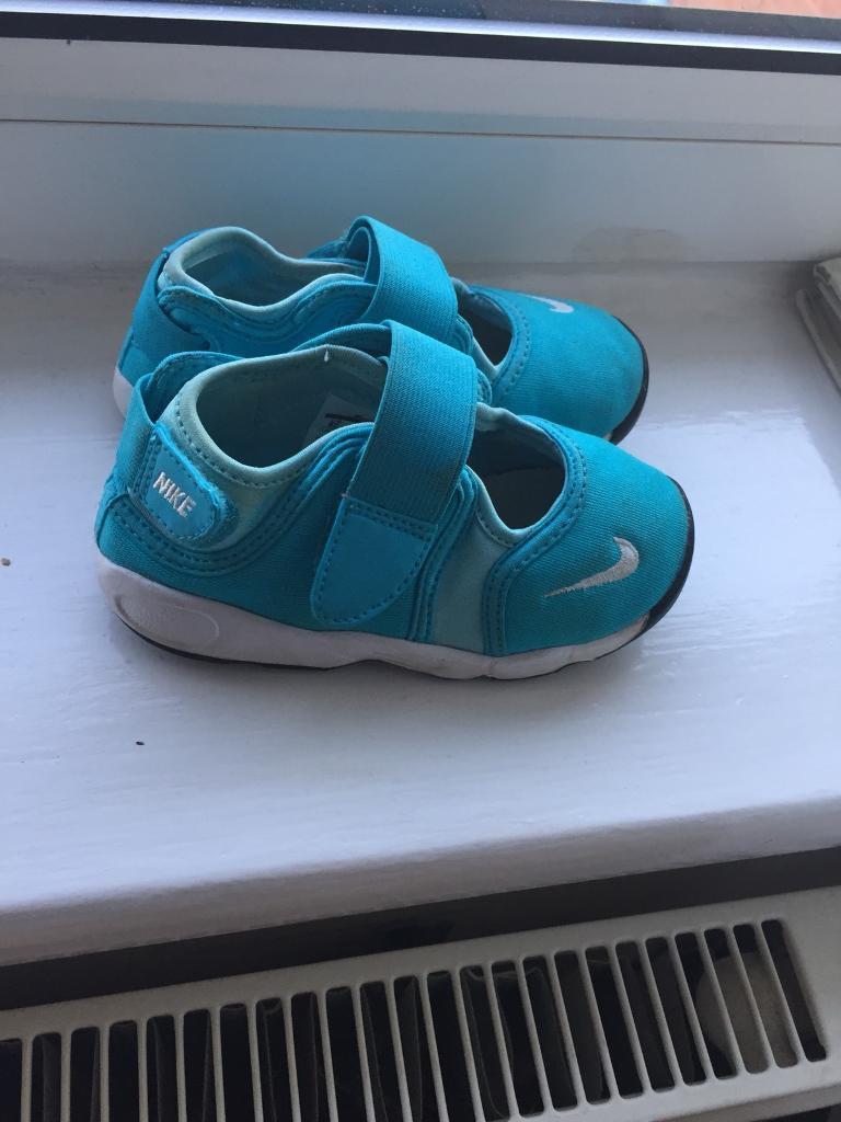 Nike rifts boys size 7.5