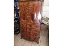 Georgian Style Mahogany Cabinet & 4 Drawer Chest