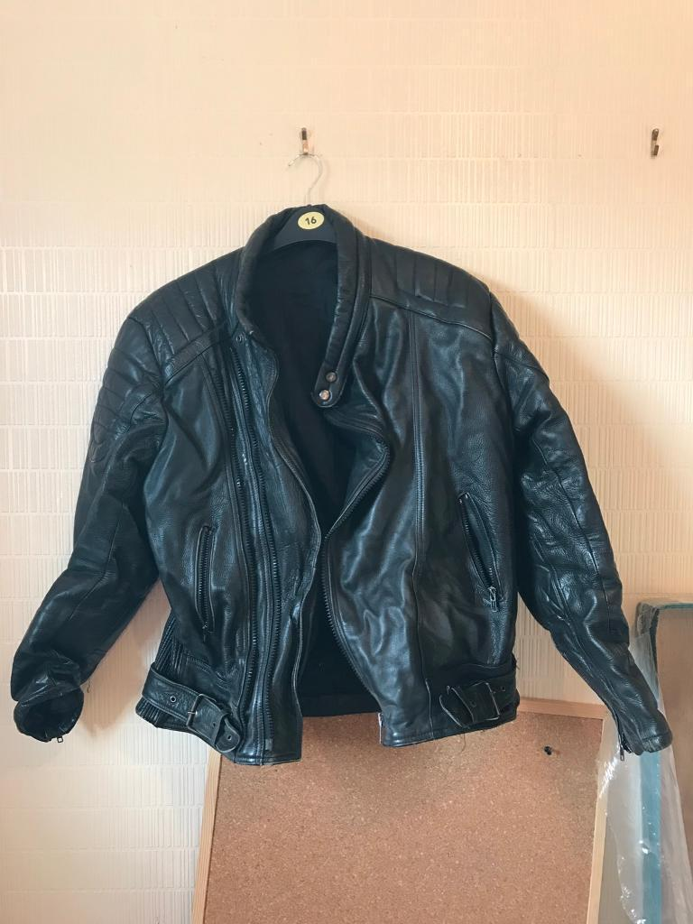 Motor cycle leather jacketin Royton, ManchesterGumtree - Black used motor cycle jacket, this has been well used but has plenty of life left in it and is a nice warm coat to wear.There is a white mark on the shoulder that can be seen in the picture.The size is a 48