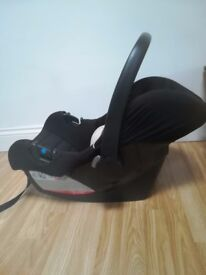 Baby car seat in black - excellent condition. Sturdy and safe.