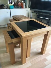 Set of two nesting coffee tables