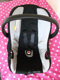 CAR SEAT FROM BIRTH WITH CARRY HANDLE 0-13Kg VERY GOOD CONDITION NOT PUSHCHAIR