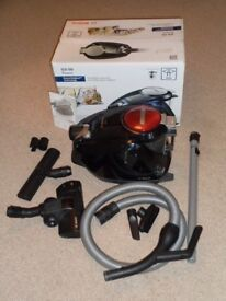 Vacuum Cleaner Bosch GS50 bagless. Cost £225 new, hardly used.