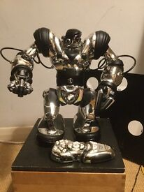 Robosapien robot toy, as new, Christmas present, played with on 4 occasions only, no box