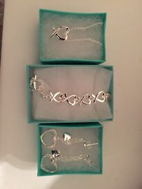 Brand new silver heart set