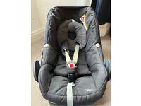 Maxi Cosi Pebble Infant Car Seat plus Family Fix isofix base