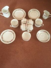 PARAGON 'BELINDA' 21 PIECE FINE BONE CHINA TEA SERVICE