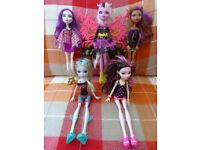 5 Monster High Dolls inc Bonita Femur, Lagoona Blue, Clawdeen... Very Good Bundle