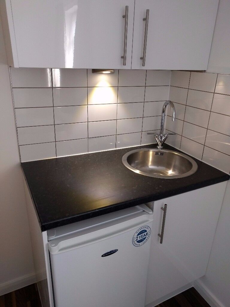 Studio flat available now in Hackney