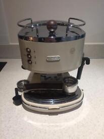 De'Longhi Icona Vintage traditional pump espresso machine