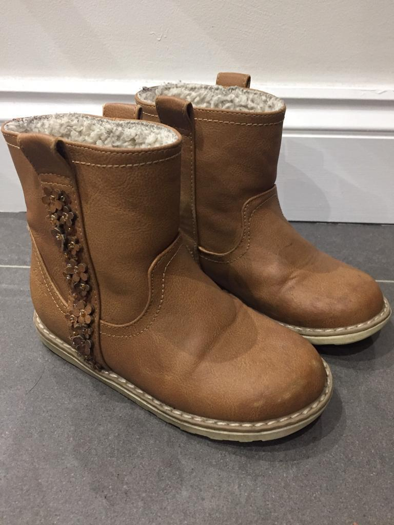 Young girls Next Winter boots size 10 ( suit age 6 approx)