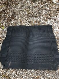 Land Rover Discovery rubber boot mat
