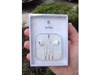 Appel Earpods - Apple earphones - Brand New Retail Pack with Warranty - Never opened / never Used