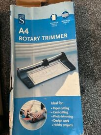 A4 Rotary trimmer