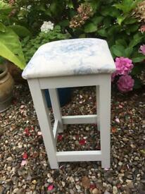 Immaculate French cabbage rose stool