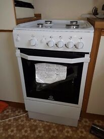 Gas cooker, brand new.