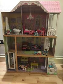 Kidscraft large dolls house furniture and figures