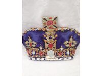 GENUINE HARRODS TEA COSY - Unwanted gift - ROYAL CROWN SHAPE from LONDON