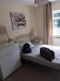Spacious Furnished Double Room (£470pm bills inclusive)