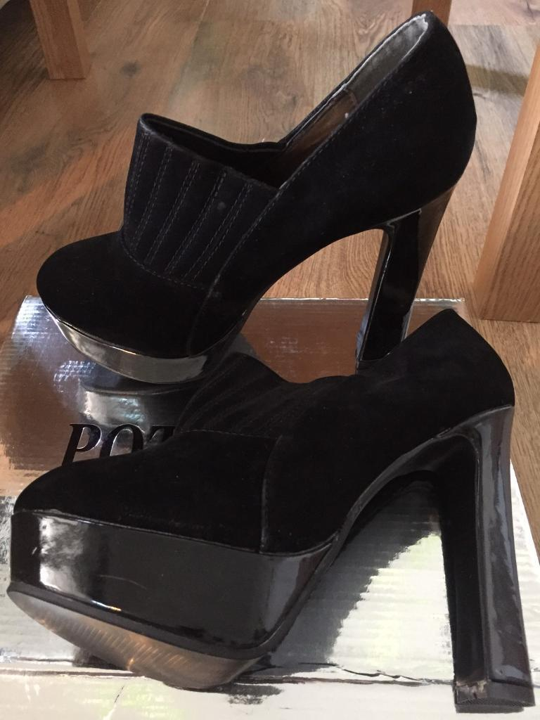 Black and silver shoes boots sandals size 6 ladies women's nee