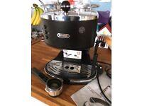 De'Longhi ECOV310.BK Vintage Icona Pump Espresso and Cappuccino Machine 1.4 L, Matt Black