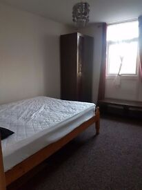 Room for rent (double) penn area