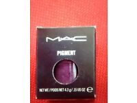 MAC pigment 'push the edge' glorious Sultry deep purple brand new in box - unused