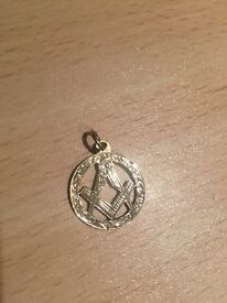 9ct gold Masonic charm.