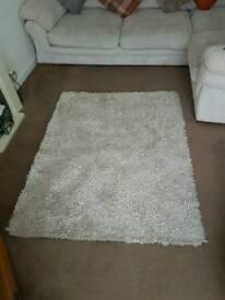 White shimmer rug