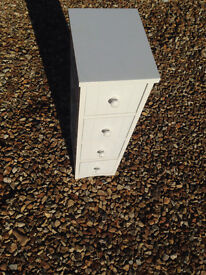 White cabinet - hardly used - Ferndown
