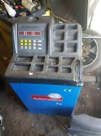 Wheel tyre balancer machine 240v