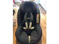 Limited Edition Maxi Cosi 2 way Pearl car seat with iso fix base
