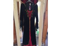 Ladies VAMPIRE COSTUME m/l New with tag