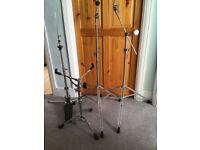 Drum hardware set