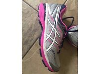 Asics GT 2000 Running trainers