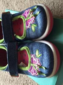 Clarks Doodles. Size 6.5E. Great condition.