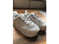 Rose gold sparky convers size 7 and white nike air max size 7.5